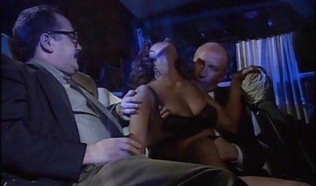 Hure in einem heißen deutsche erotik filme kostenlos öffentlichen Dreier