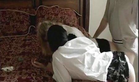 Layla präsentiert sich auf harten Fick erotikfilm massage