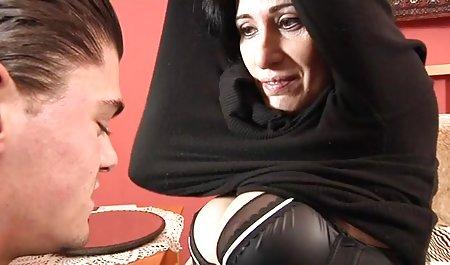 Heiße erotikfilme in hd Lesben leidenschaftliche Küsse im Bett