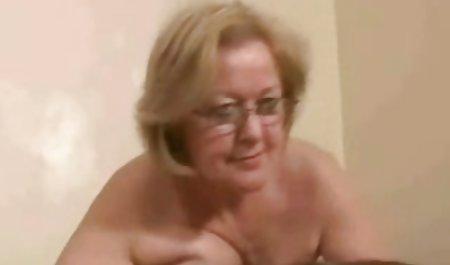 Blonde kostenlose deutsche erotik filme reife Dame masturbiert
