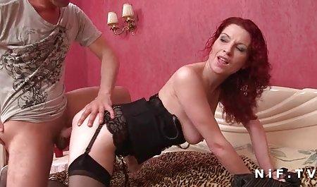 Gianna liebt es, ein Spielzeug erotikfilme online kostenlos in ihre Muschi zu stopfen