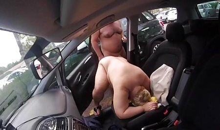 Tätowierte Brünette macht streamcloud erotik Webcam