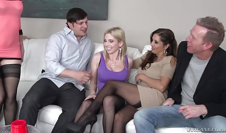 Tracy Lindsay masturbiert allein mit einem Dildo netzkino erotic