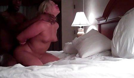 Teen strippt auf privatem, erwischtem Teil errotik filme kostenlos 1 - schau Teil 2 an