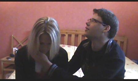 Die russische Hündin Isabella Clark hat einen Typen gezwungen, eine Fotze zu kostenlose deutsche erotikfilme lecken