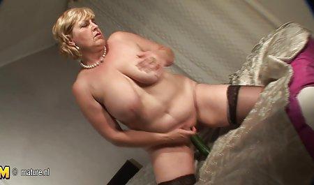 Gracie Glam erotikfilme fur erwachsene leckt und schert