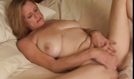 Sexy schwarzes erotische kurzfilme kostenlos Mädchen reitet einen riesigen Dildo