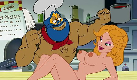 Elsa bekommt eine brutale Lektion von ihrer gratis erotikfilme vollbusigen Tutorin Holly