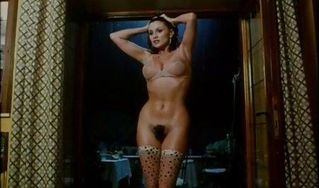Sie liebt es, legale kostenlose erotikfilme Schwänze zu lutschen