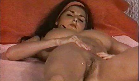 Busty Teen erlaubte erotikfilme bekommt einen Vorgeschmack auf Sperma